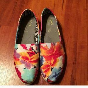 Floral Toms